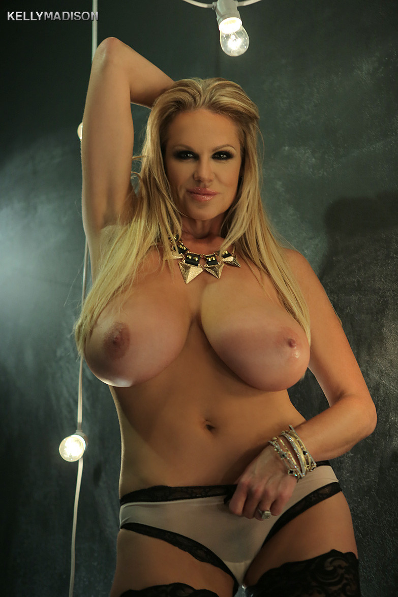 Young Butt Kelly Madison  nude (82 fotos), Twitter, butt