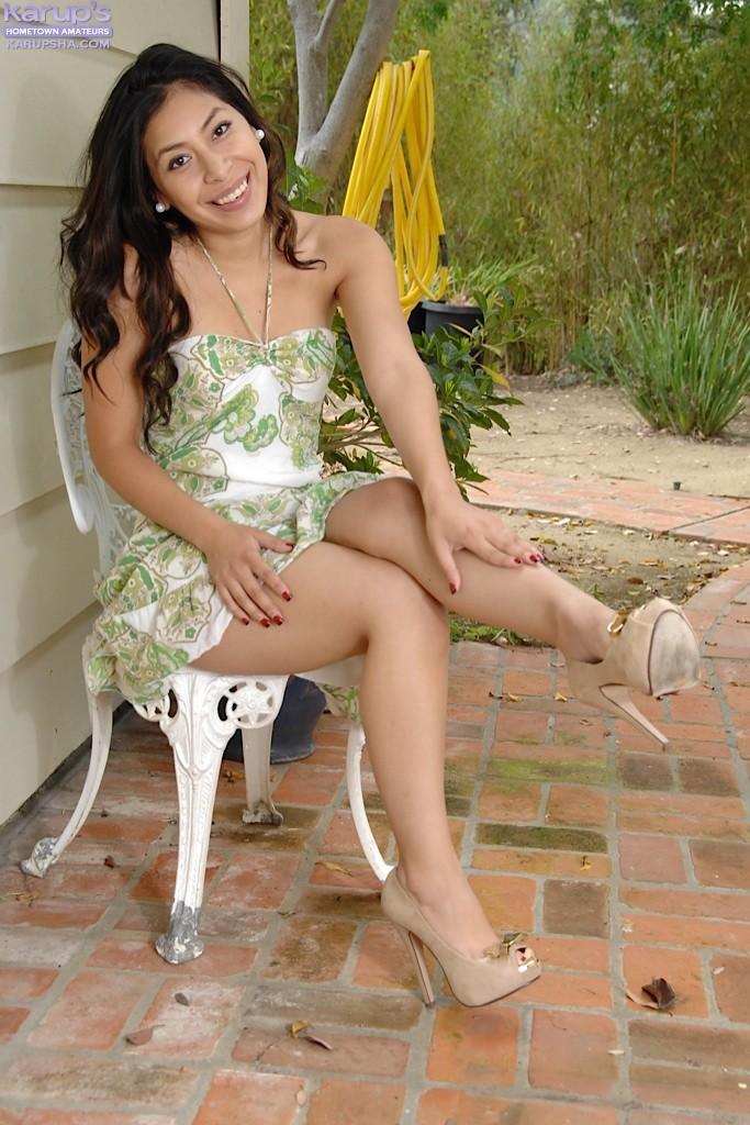 Nicole ferrera solo and her sexy feet 10