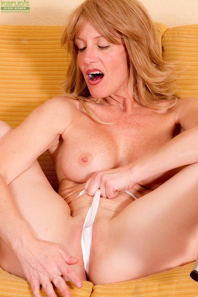 Lesbian mom nina elle teaching tara morgan