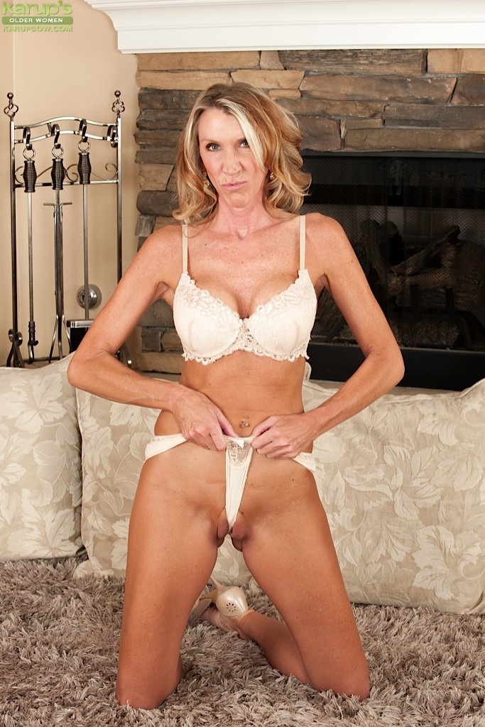Long Legged Mature Women