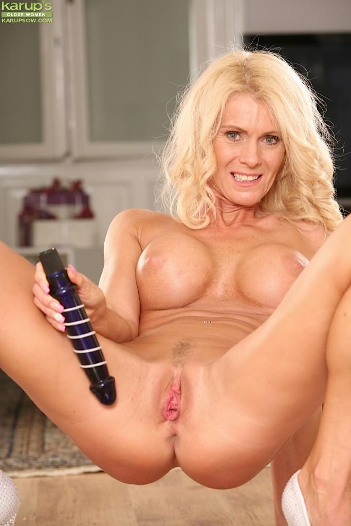 Sexy mature women in quellon