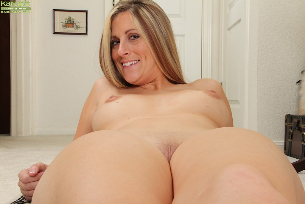 image Petite holly dee fucking and sucking