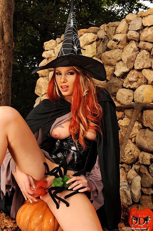 строгом фото порно с ведьмой несет никакой ответственности