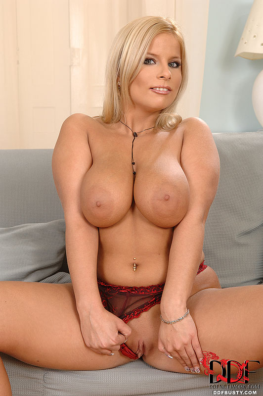Huge tits blonde mature-8522