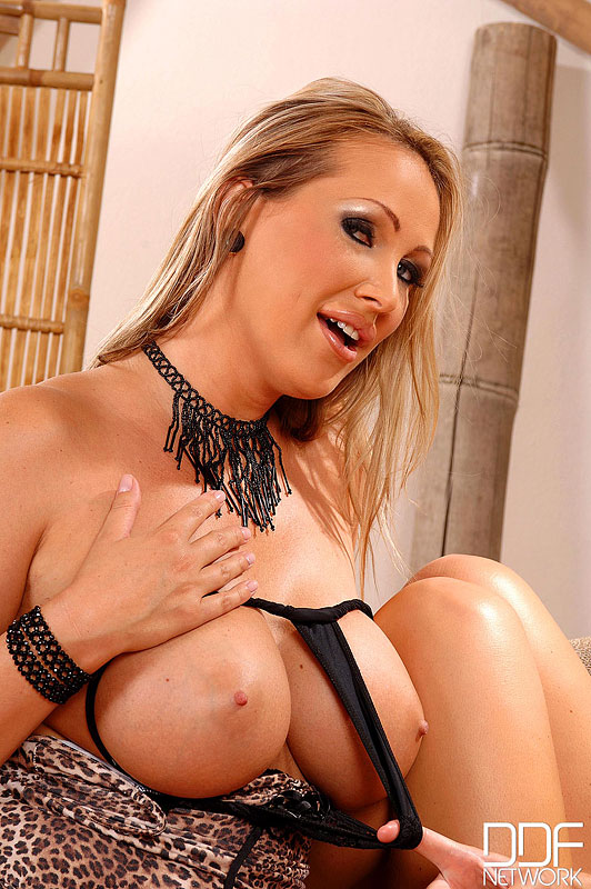 Mandy Bright Nackt