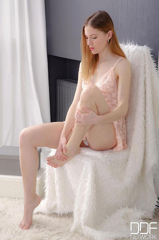 Eva - Euro Teen Erotica 40526-9308