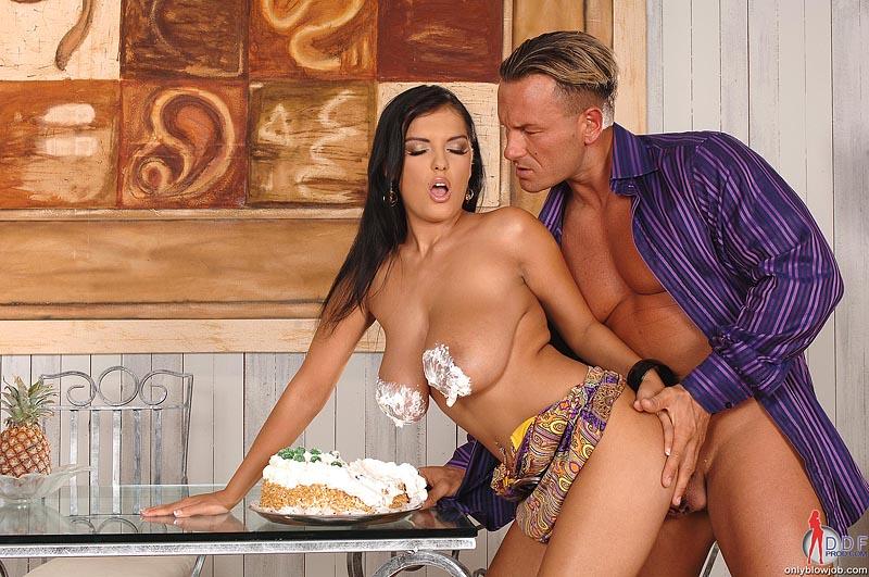 Сладкий пирожок секс порно зоны