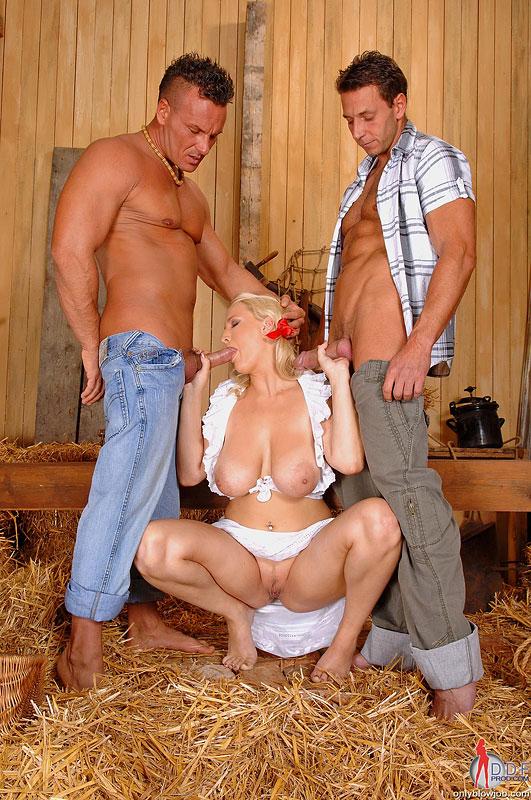 Элитные порно пышногрудых блондинок деревни очень