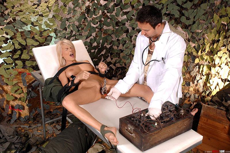 Секс эксперименты над телками, снять самых дешевых проституток в москве