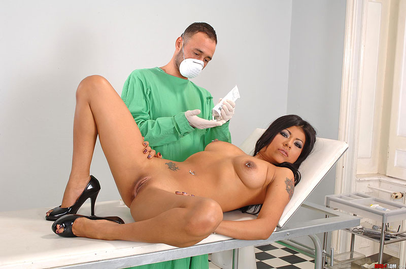 Врача у видео порно массаж