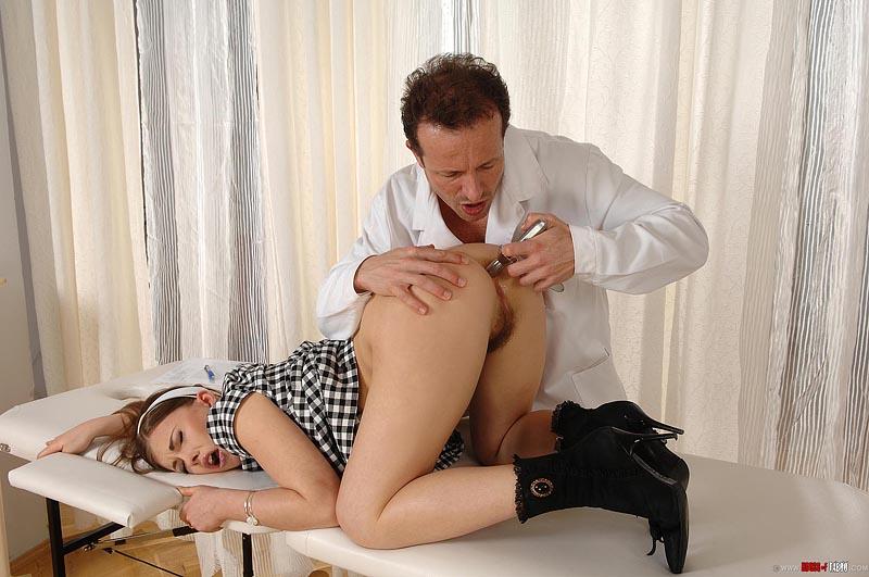 секс на приеме у директора видео - 6