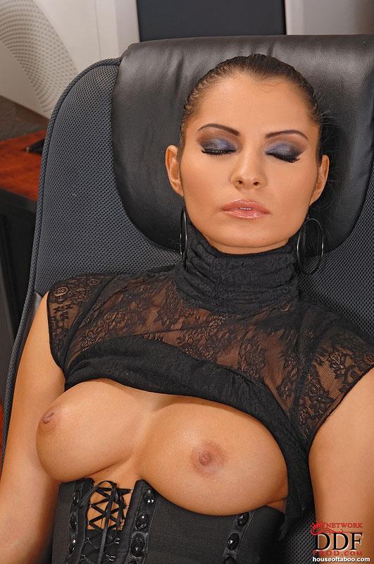 Milf young lesbian seduction