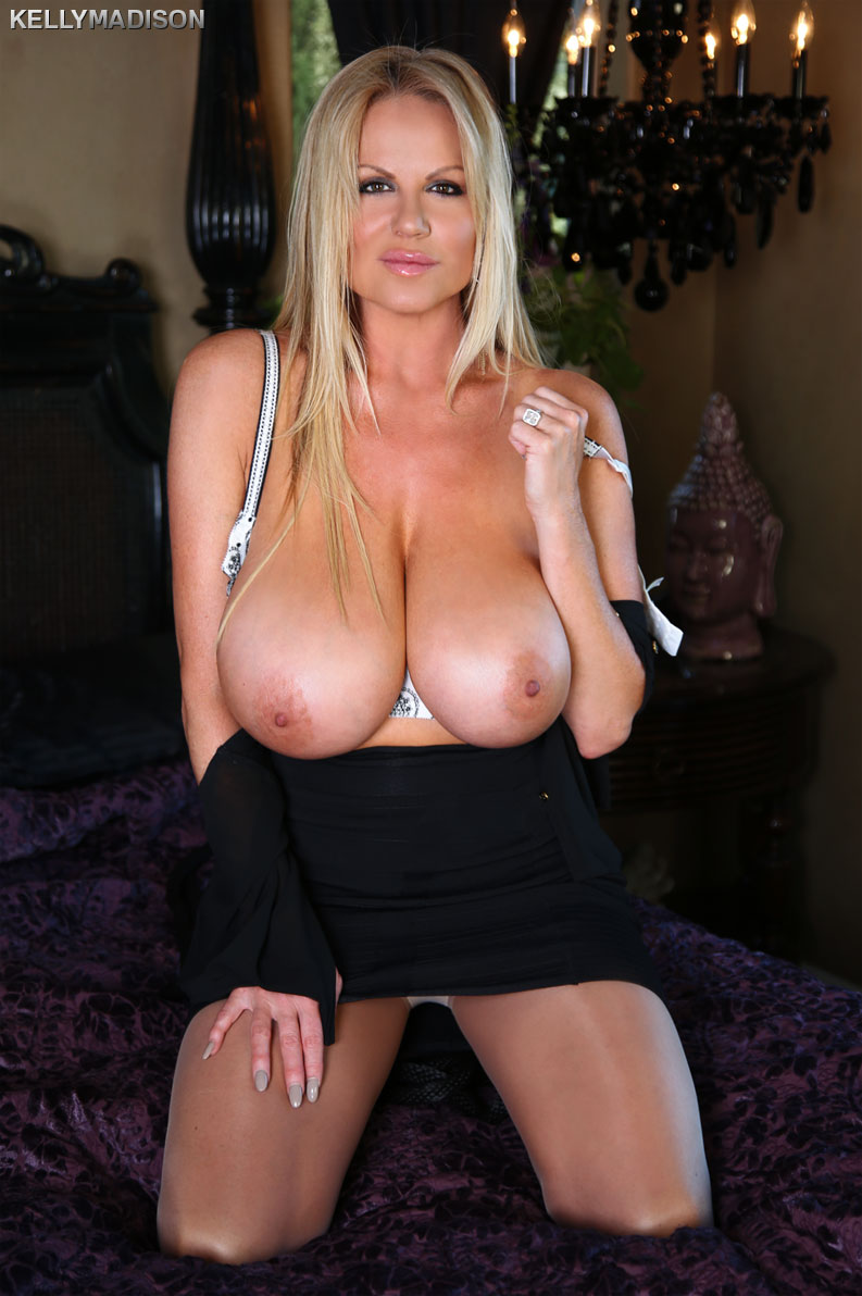 Hot red with big tits sucks and fucks 2 big black cocks - 3 9