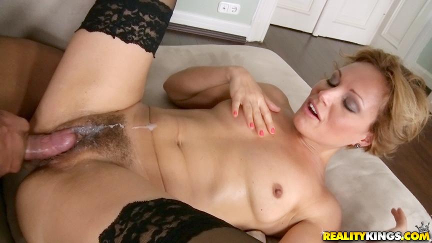 Nude servant