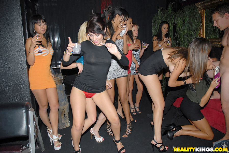 фото в клубе разврат