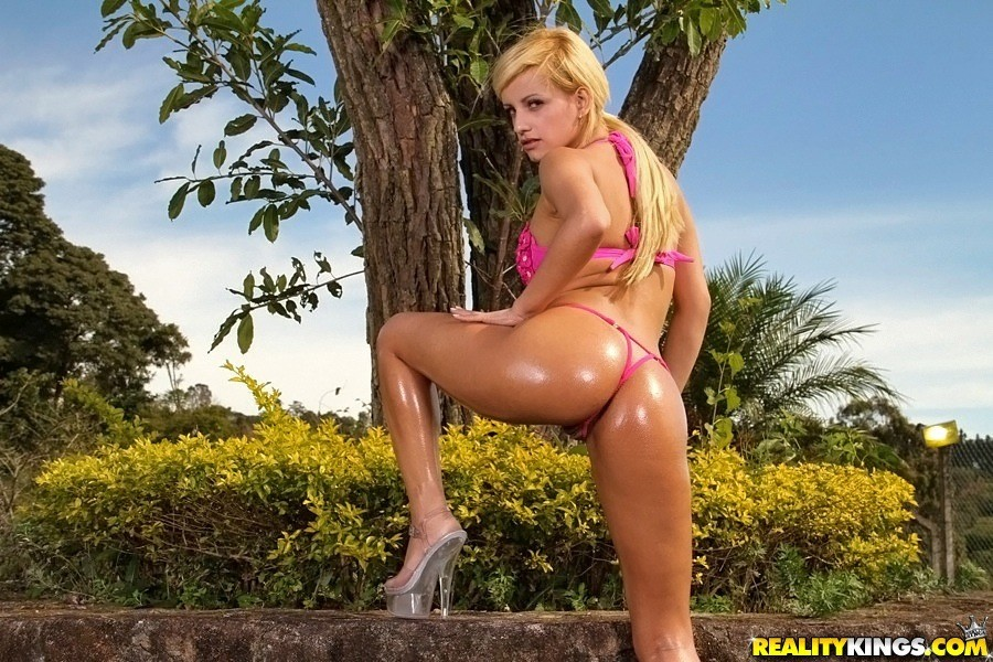 Realitykings mike in brazil ball play that