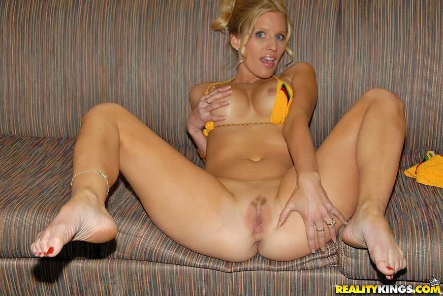 nude in public oops