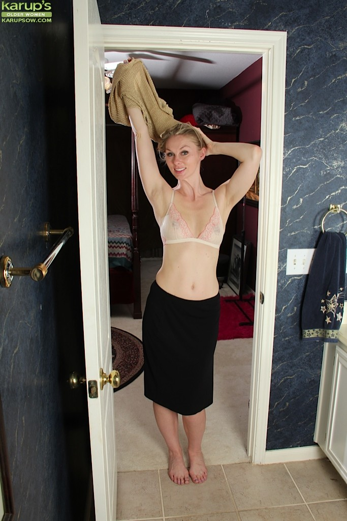 Clothed blondie Ally Ann is demonstrating her great blowjob skills  1210383