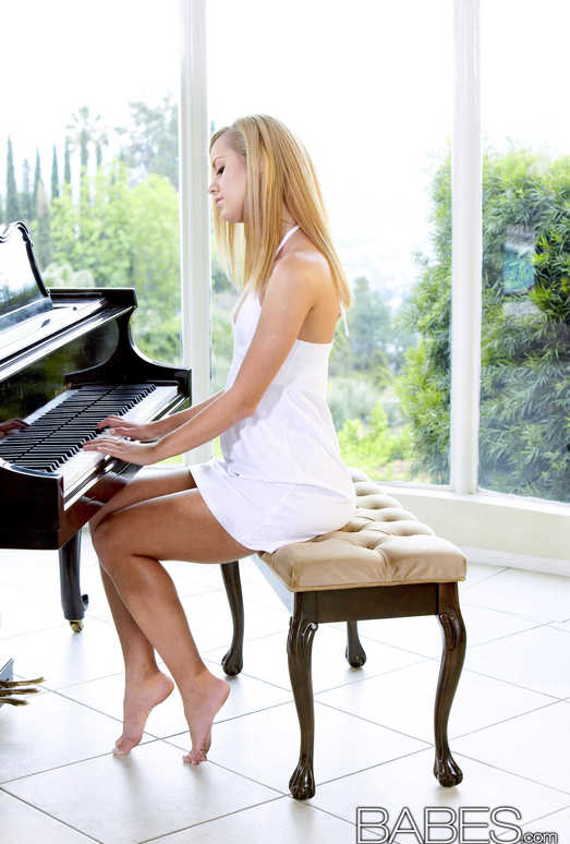 The Piano Lesson - Jessie Rogers