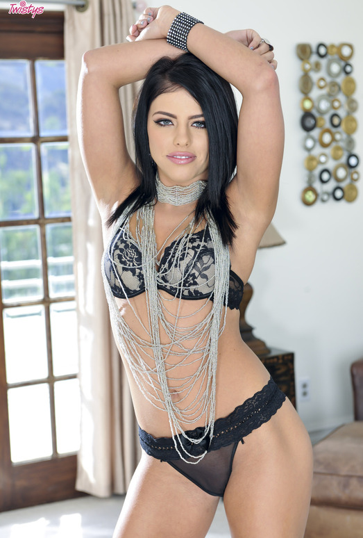 Adriana Chechik Shows Off Her Arousing Nude Figure