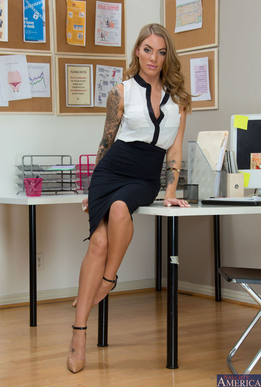 Juelz Ventura - Naughty Office