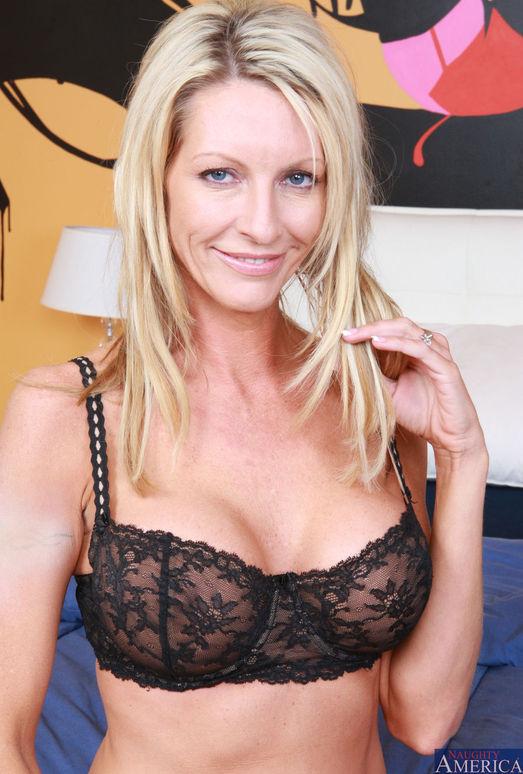 Mrs. Starr - My Friend's Hot Mom