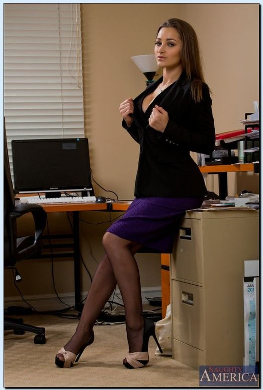 Dani Daniels - Naughty Office