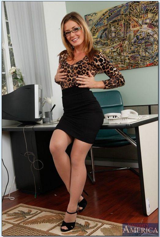 Sheena Shaw - Naughty Office