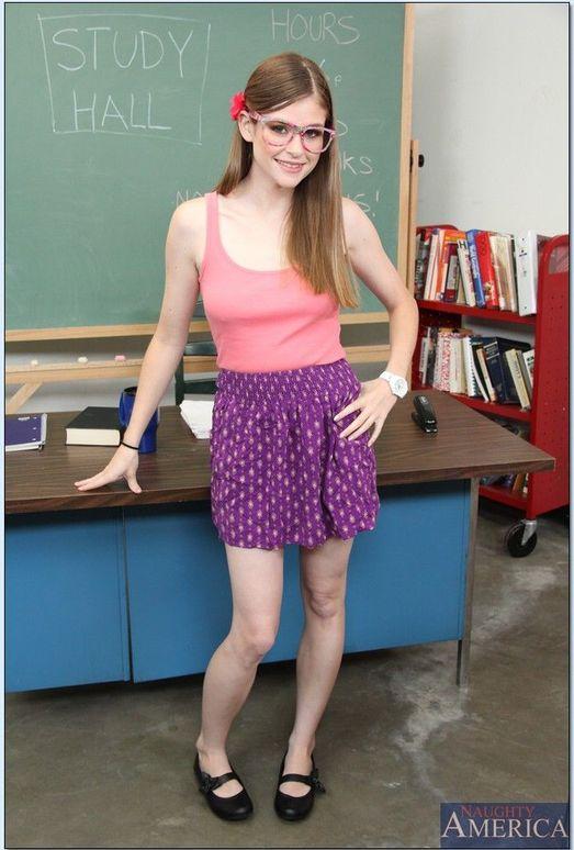 Lara Brookes - Naughty Bookworms