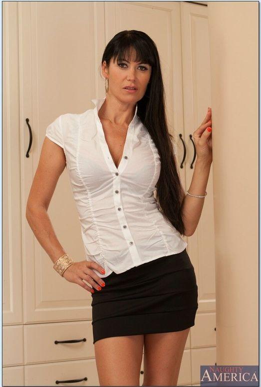 Eva Karera - Housewife 1 on 1