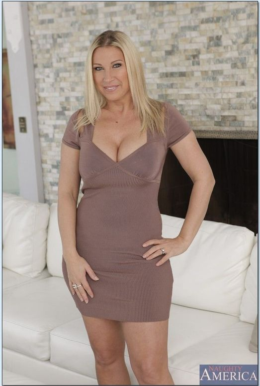 Devon Lee - My Friend's Hot Mom