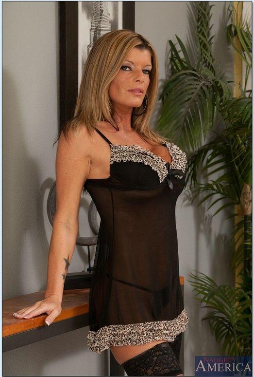 Kristal Summers - My Friend's Hot Mom