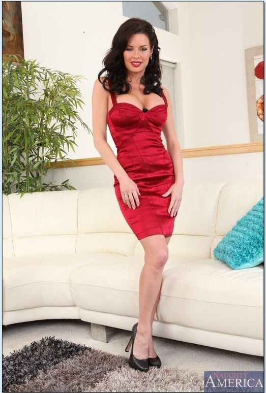 Veronica Avluv - Seduced By A Cougar