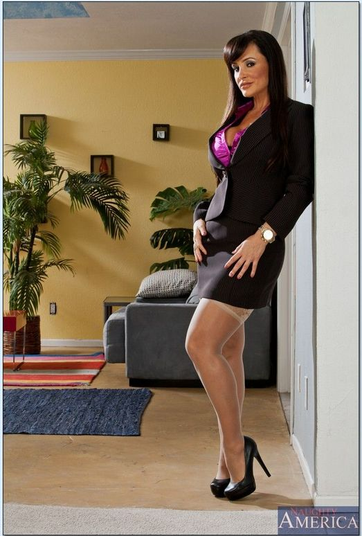 Lisa Ann - Seduced By A Cougar