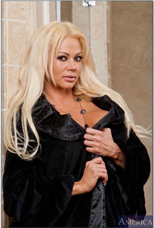 Nikita Von James - Seduced By A Cougar