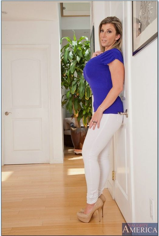 Sara Jay - My Friend's Hot Mom