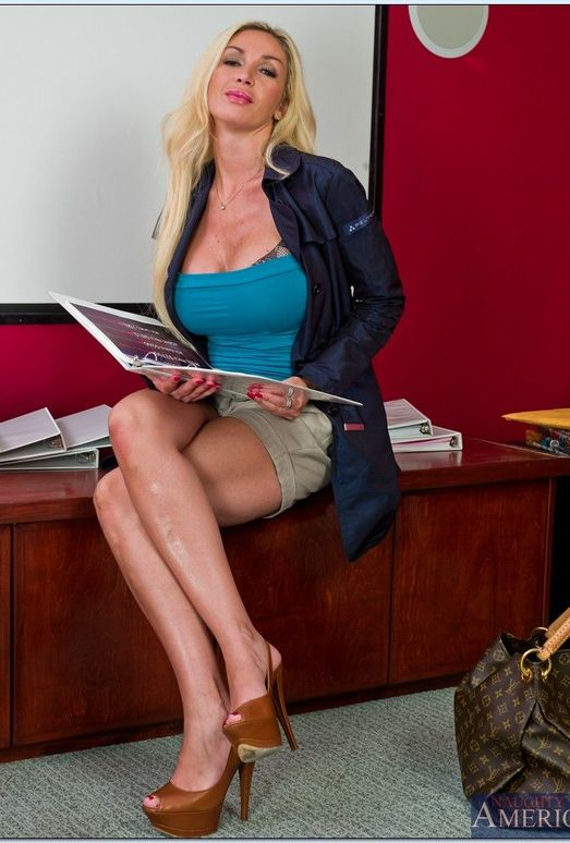 Evita Pozzi - My First Sex Teacher