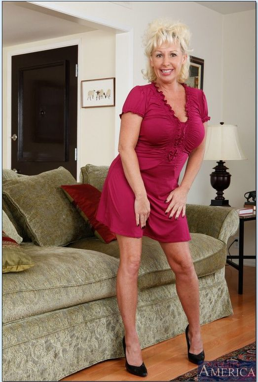Joanna Storm - Seduced By A Cougar