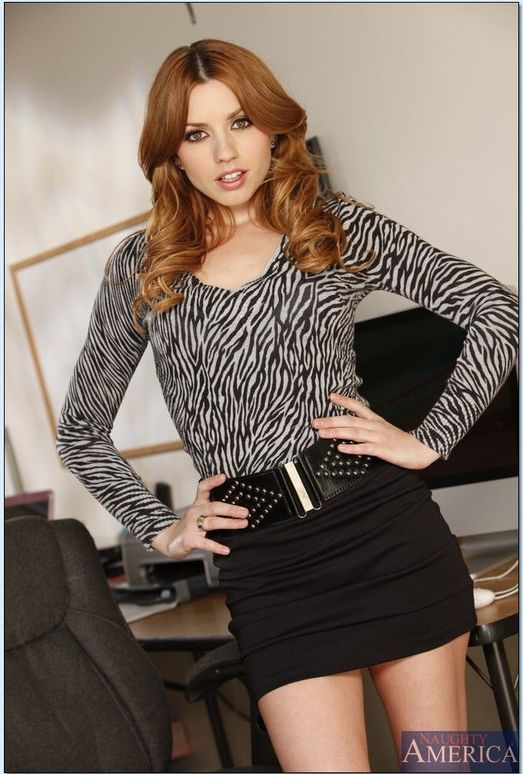 Lexi Belle - Naughty Office