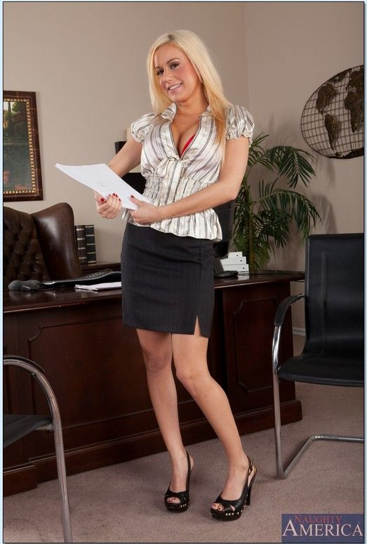 Mariah Madysinn - Naughty Office