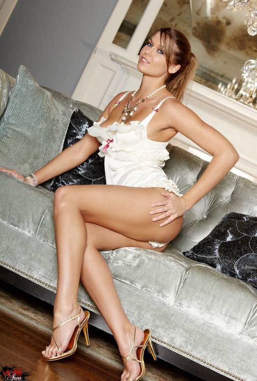 Adrienne Manning - VIPArea