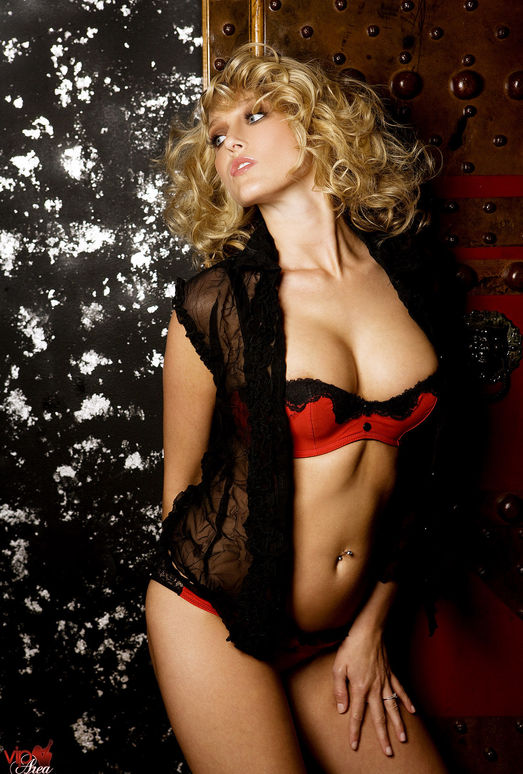 Carli Banks - VIPArea
