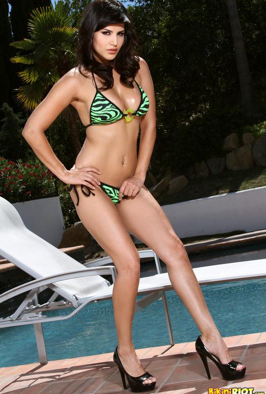 Sunny Leone - Tiger Striped Scrunch Butt