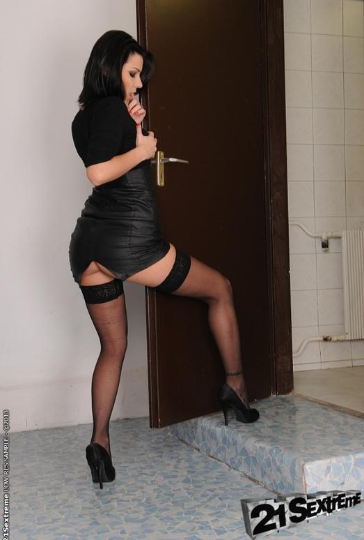 Cindy Hope, Nesty - 21Sextreme