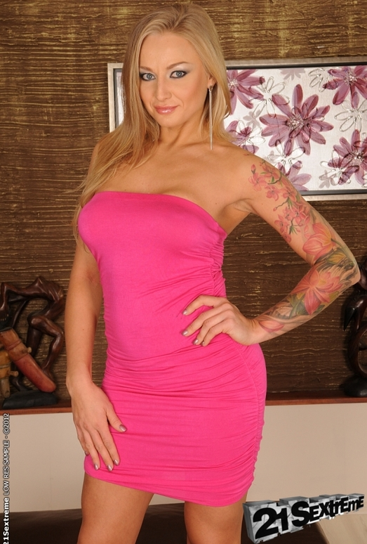 Nikky Thorne, Kayla Green - 21Sextreme