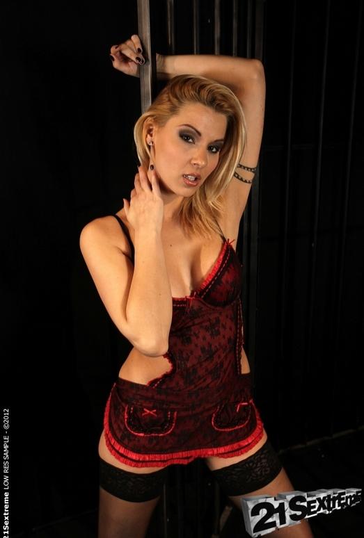 Cindy Hope, Dorina Gold - 21Sextreme