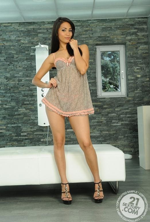Ruth Medina - 21 Sextury