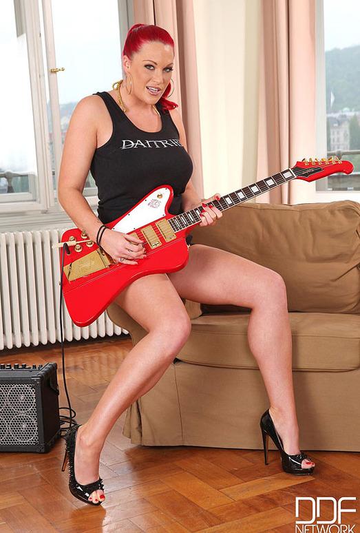 Paige Delight - Handson Hardcore