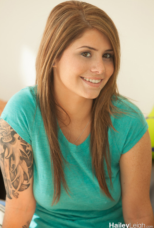Hailey Leigh - Green Shirt