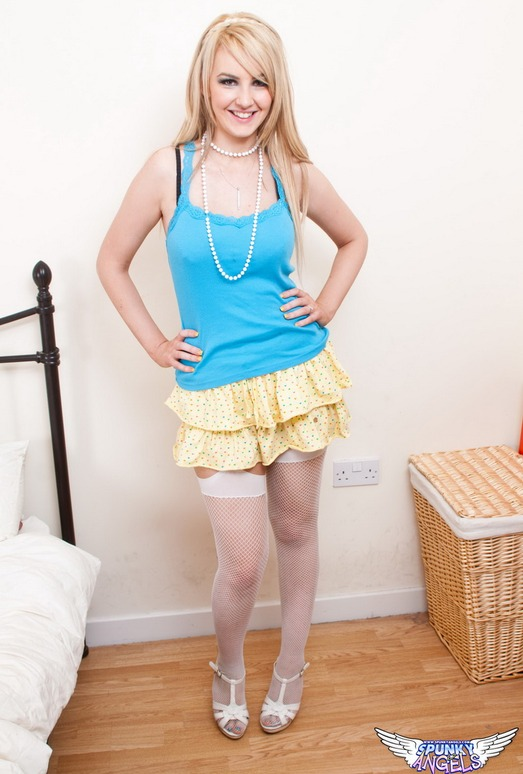 Katie K - Fishnet Pearls - SpunkyAngels